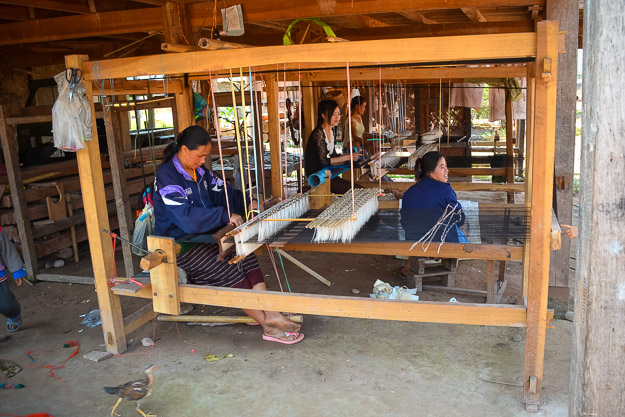 Tai Dam village weaving