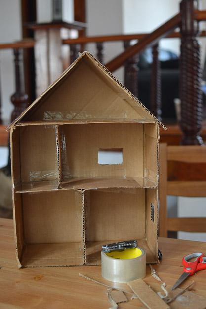 2014-04-26 cardboard dollhouse by Melissa Crossett