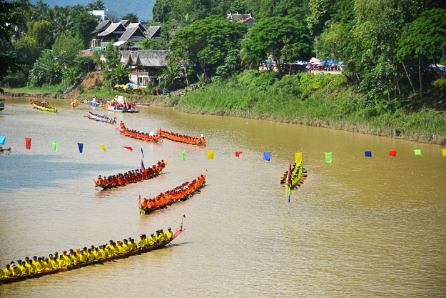2015-09-14 Luang Prabang boat races by Ryan Crossett (19 of 46)