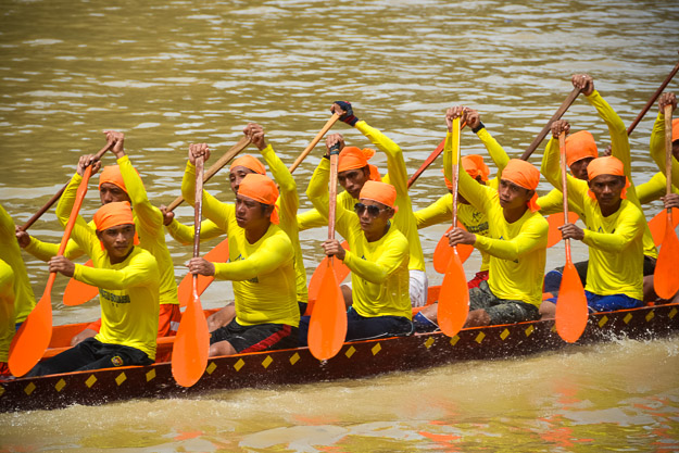 2015-09-14 Luang Prabang boat races by Ryan Crossett (41 of 46)