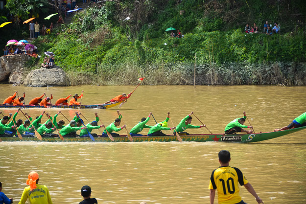 2015-09-14 Luang Prabang boat races by Ryan Crossett (43 of 46)