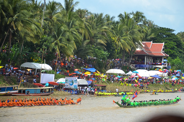 2015-09-14 Luang Prabang boat races by Ryan Crossett (44 of 46)