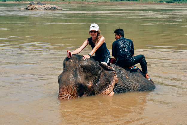2015-09-21 elephant riding with kids in Luang Prabang by Melissa Crossett (10 of 25)