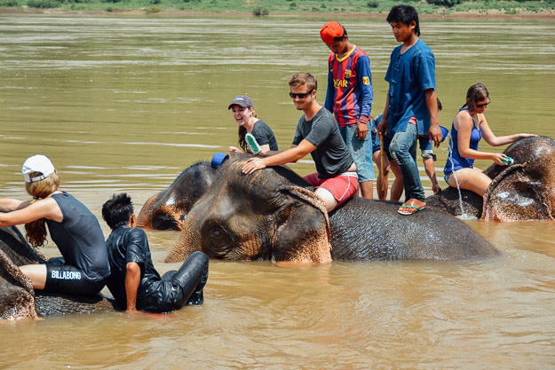 2015-09-21 elephant riding with kids in Luang Prabang by Melissa Crossett (11 of 25)