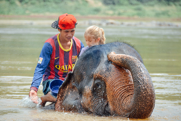 2015-09-21 elephant riding with kids in Luang Prabang by Melissa Crossett (18 of 25)