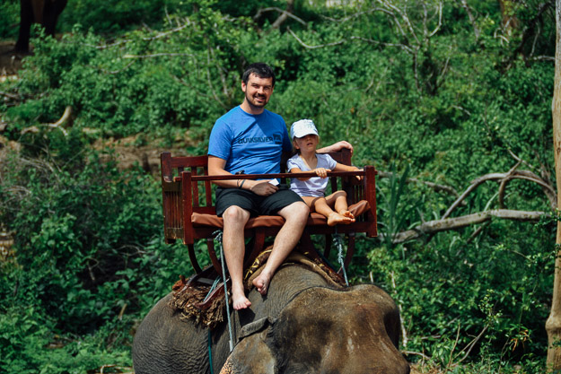 2015-09-21 elephant riding with kids in Luang Prabang by Melissa Crossett (7 of 25)