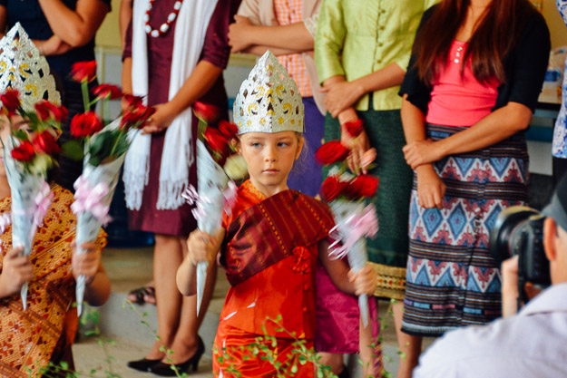 2015-10-21 kids Lao dance Luang Prabang by Melissa Crossett (12 of 17)