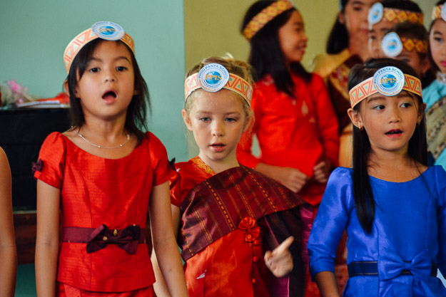 2015-10-21 kids Lao dance Luang Prabang by Melissa Crossett (15 of 17)