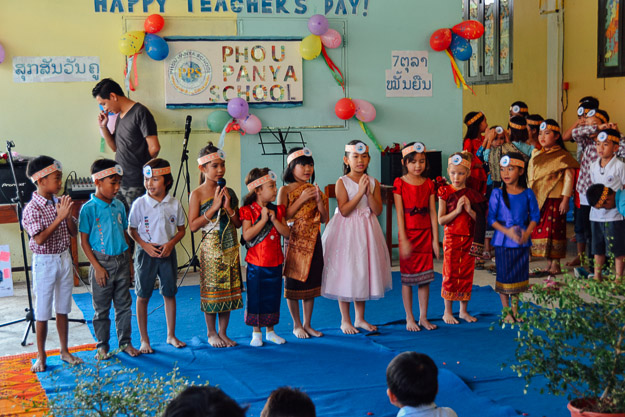 2015-10-21 kids Lao dance Luang Prabang by Melissa Crossett (16 of 17)