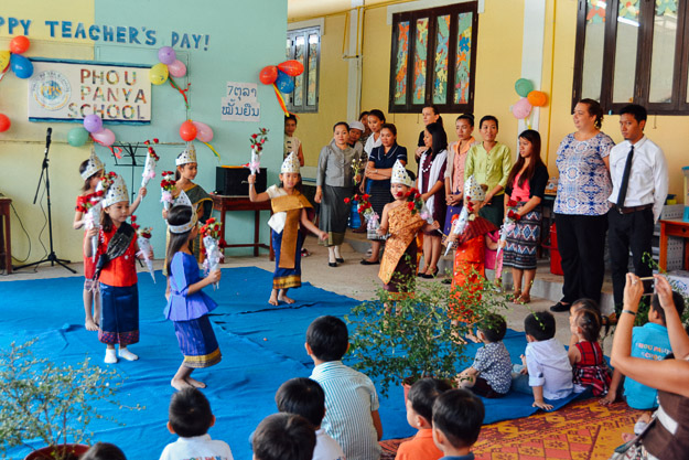 2015-10-21 kids Lao dance Luang Prabang by Melissa Crossett (8 of 17)