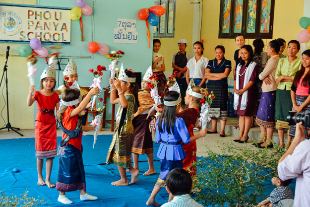 2015-10-21 kids Lao dance Luang Prabang by Melissa Crossett (9 of 17)