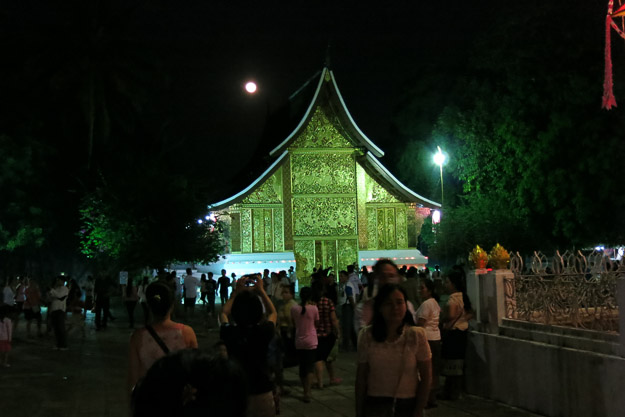 2015-12-10 festival of lights luang prabang by Melissa Crossett (2 of 4)